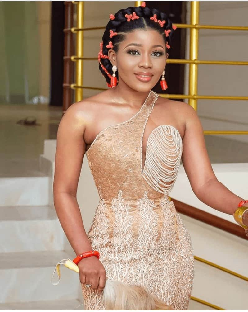 THE LATEST NIGERIAN LACE STYLES TRENDING 12