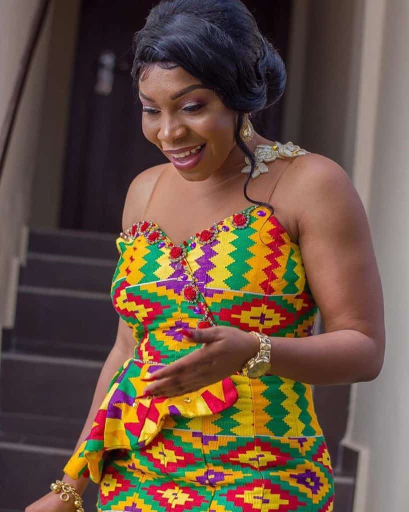 15+ LATEST AND RIVETING KENTE STYLES 16