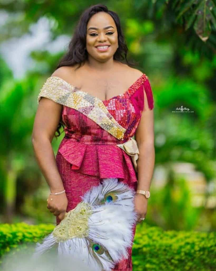 STYLISH AND GLAMOUROUS GHANA KENTE STYLES IN 2019 30