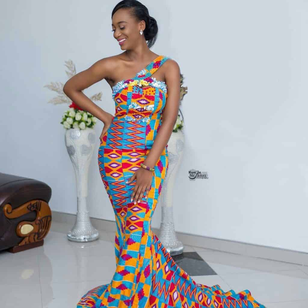 STYLISH AND GLAMOUROUS GHANA KENTE STYLES IN 2019 40