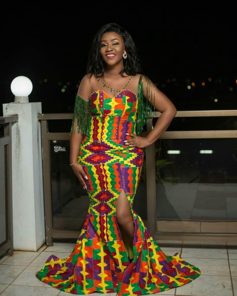 STYLISH AND GLAMOUROUS GHANA KENTE STYLES IN 2019 39